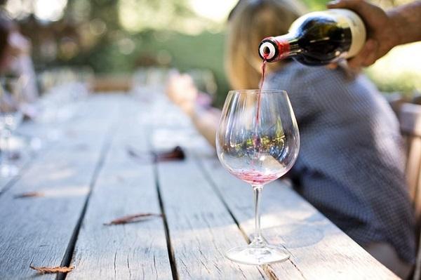 Bando-per-nuovi-punti-vendita-vini